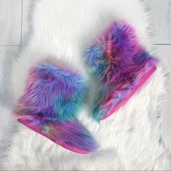 """940e31fdf35 Steve Madden """"Snaglezz"""" Rainbow Fur Slipper Boots.  M 5a5e7ee146aa7c50e0e68fa6"""